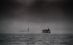 New York, au large de Manhattan, 4 (Patrick.Raymond (2M views)) Tags: nyc sea usa mer nikon manhattan brouillard brume argentique expressyourself beautifulphoto