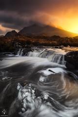 Sligachan (Antonio Carrillo (Ancalop)) Tags: sunset mountains skye canon river landscape atardecer scotland soft isleofskye paisaje escocia 09 lee isle 1740mm montañas ecosse cuillin sligachan gradual canon1740mmf4l gnd neutraldensity glensligachan densidadneutra antoniocarrillo 5dmarkii highlads ancalop lucroit leesoft09gnd wwwantoniocarrillocom