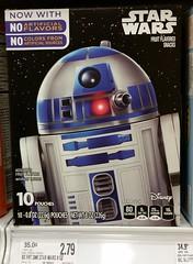 R2-D2 Star Wars Fruit Snacks_20160128_195453c3 (Wampa-One) Tags: starwars r2d2 droid merchandising fruitsnacks