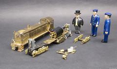 Shop Forces Inspect The Wreck (Engine Shed) Tags: scale model diesel models railway trains ho sir brass hatt alco railroading topham d146 samhongsa piszczek