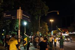 """Chopp sem Dilma"" (Douglas Pfeiffer Cardoso) Tags: brazil people brasil portoalegre protests riograndedosul brazilflag moinhosdevento protestos parquemoinhosdevento manifestaes labandalokaliberal"