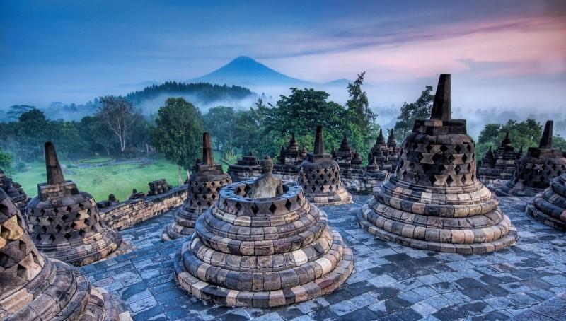 Borobudur-Indonesia-800x454