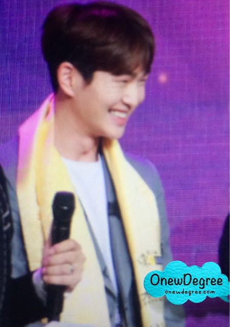 160328 Onew @ '23rd East Billboard Music Awards' 25832070710_68e1d9926f_z