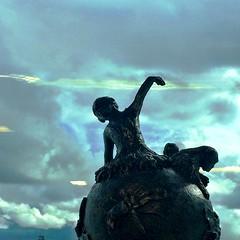 I skyn / In the sky (missmanzanilla) Tags: sky sculpture art himmel skulptur konst liljevalchs linnfernstrm fotosondag linnfernstrom marketartfair iskyn fs160424