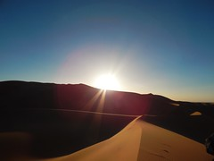 Sunset at Sahara Desert (rouxlignes) Tags: sky sun sol sahara sand desert morocco marrakech marrocos merzouga