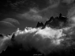 Accalmie sur l'Aiguille du Plan (Frdric Fossard) Tags: nature montagne alpes lumire contraste paysage chamonix mto hautesavoie tlphrique aiguilleduplan plandelaiguille massifdumontblanc