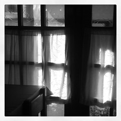Rac del Rac (Markus' Sperling) Tags: window square ventana chair restaurante finestra silla squareformat inkwell iphoneography instagramapp uploaded:by=instagram