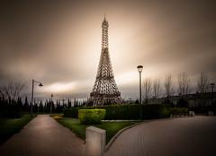 Siempre nos quedar Pars? (Celeb-flickr) Tags: longexposure parque color landscape europa tokina1224 eiffel exposicion larga filtro procesado nd10 canon70d