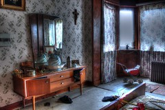 Le crucifix et le landeau (urban requiem) Tags: old urban lost mirror bed cross belgium belgique decay room zimmer belgi kreuz bleu crucifix lit miroir exploration maison chambre derelict oiseau ons hdr abandonned verlassen berceau urbex abandonn landeau verlaten 600d nestje crois onsnestje maisonloiseaubleu maisondeloiseaubleu