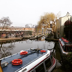 Inspiring Lunch @inspirallounge #camdentown #canal #london (joyaofchiba) Tags: london canal camdentown inspirallounge uploaded:by=flickstagram instagram:venue=16139 instagram:venuename=camdentown instagram:photo=942703018619759369399195313