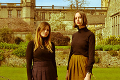 Oxford's girls (Adanethel) Tags: life greatbritain trip travel christchurch england woman green girl fashion vintage nikon women university unitedkingdom outdoor models grain oldschool adventure oxford oldfashioned yesteryear nikond3100