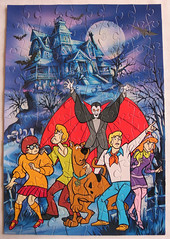 Jigsaw Paul Lamond Games Scooby Doo The Case of Dracula IMG_6774 (rowchester) Tags: moon house jones scary action dracula fred daphne jigsaw 100 shaggy rogers doo scooby bats velma balke dinkley