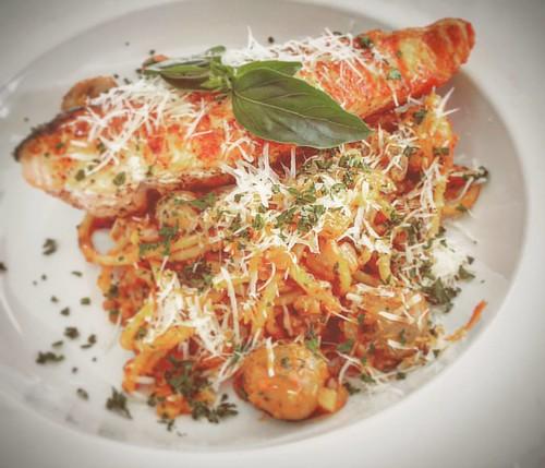 Salmon Garlic Spaghetti - Yummy!! #eat #withfren #pasta #spaghetti #Italian #salmon #trip #travel