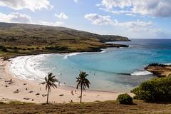 Anakena beach 1 (riquelme.guillermo) Tags: ocean chile beach island mar sand waves playa arena palmtree easterisland olas palmera isla rapanui polinesia isladepascua anakena ocanopacfico
