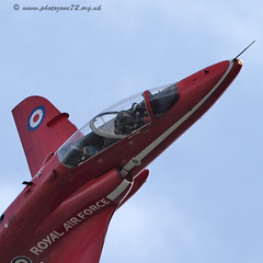 9300 Synchro (photozone72) Tags: canon display aviation eastbourne reds redarrows raf redwhiteblue airshows rafat