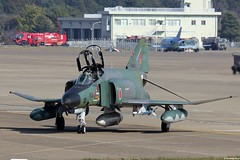 RF-4EJ Kai Phantom II 07-6433, JASDF, 501 Hikotai, taxiing out at Hyakuri AB (Jeroen.B) Tags: japan self airport flickr force air ii kai phantom douglas selfdefense defense base f4 mitsubishi airfield ibaraki 433 501 mcdonnell f4e jasdf rf4ej mih kk  hyakuri m133 hikotai rjah 076433  japan2014 jieita hikj japanhyakuri