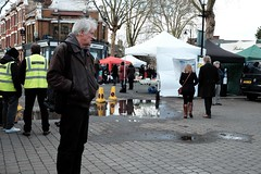 Kew Village Market (hansziel99) Tags: street uk greatbritain people kewgardens streetart london kew europe raw market streetphotography fujifilm february markt februar 2016 silkypix xt10 fujifilmxt10
