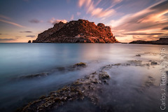 Isla del Fraile (Carlos J. Teruel) Tags: sunset sea cloud rock landscape atardecer photography mar nikon murcia le cielo nubes rocas inverso marinas 1835 filtros gnd nikon1835 xaviersam carlosjteruel d800e nikonafsnikkor1835mmf3545ged