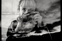 (bisonte invencible) Tags: sky blackandwhite selfportrait blancoynegro film 35mm canona1 biancoenero blancetnoir