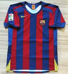 #BARCELONA #SPAIN 2005/2006    #HOME    #FOOTBALLSHIRT #CAMISETA #JERSEY #MAGLIA     #NIKE (sharov.ivan) Tags: barcelona home spain nike jersey camiseta maglia footballshirt
