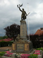 Vosges France - Corcieux (glanerbrug.info) Tags: 2005 monument wwii frankrijk lorraine vosges lotharingen secondeguerremondiale tweedewereldoorlog corcieux oorlog19401945 francelorrainevosges