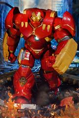 """Veronica, Give me a hand!"" (mickeyrdj) Tags: actionfigure ironman actionfigures marvellegends marvel marvelcomics avengers tonystark avenger hulkbuster acba avengersmovie ageofultron"