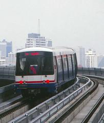 Thailand - Bangkok - Skytrain trial run (railasia) Tags: thailand bangkok siemens infra nineties silom bts thirdrail trialrun emu3 silomline elevatedstructure metrosubwayunderground routenº2