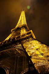 Paris by night (Nut's) Tags: paris night canon lumire toureiffel 28 parisienne