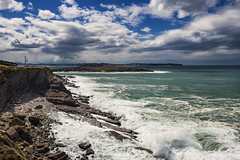 El mar se pone bravo (noldor12) Tags: cantabria loredo acantilados marcantbrico bahadesantander ribamontnalmar canoneos600d canonef1635f4lisusm isladelosjorganes