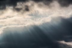 Osterhimmel :) (Stille Wasser) Tags: himmel wolken sonnenstrahlen