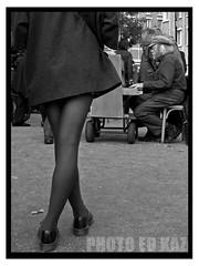 Pianist (Ed Kaz !) Tags: paris mono piano streetphotography blackandwhitephotography streetmusician nikond90 edkazphoto