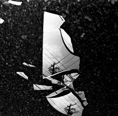 (parallel world-sharp) (Dinasty_Oomae) Tags: blackandwhite bw monochrome mirror blackwhite wire chiba utilitypole  exakta ichikawa      ihagee   utilitywire    vx