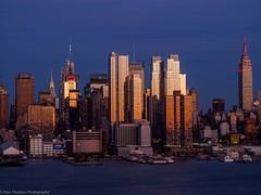 The final sunlight, NYC (ravi_pardesi) Tags: nyc newyork water skyline architecture evening twilight waterfront midtown esb empirestate serene awesomeness primeshot