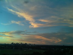 Sydney 2016 May 01 17:18 (ccrc_weather) Tags: sky evening outdoor sydney may australia automatic kensington unsw weatherstation 2016 aws ccrcweather