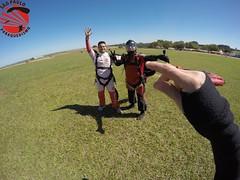 G0100254 (So Paulo Paraquedismo) Tags: skydive tandem freefall voo paraquedas quedalivre adrenalina saltar paraquedismo emocao saltoduplo saopauloparaquedismo