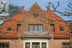 House in spring (Hkan Dahlstrm) Tags: house tree architecture copenhagen denmark photography f90 dk uncropped danmark kbenhavn 2016 kpenhamn kbenhavnv xe2 1400sek xc50230mmf4567ois 6101052016110447