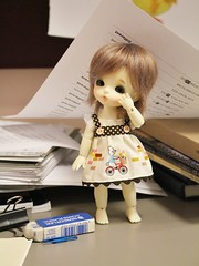 120/365 Messy (AluminumDryad) Tags: oneaday paper doll desk messy photoaday bjd resin piles officesupplies haru pictureaday balljointeddoll photochallenge latidoll adad project365 latiyellow tinybjd project365120 adolladay april2016 batboyharu project365042916