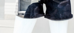 DSCF5842 (Iconophil) Tags: jean femme leg clothes short fuj vtement jambe ivitrine