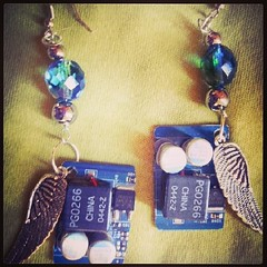 motherboard #earrings #recycled #orecchini #geek #riciclo... (Tuttosicrea) Tags: geek recycled earrings motherboard orecchini riciclo riuso uploaded:by=flickstagram instagram:photo=707988547908757588199187393