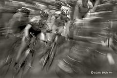 Bike Racing (Louis Shum) Tags: street people bw bike sport vancouver d50 nikon action fast racing specialeffect flickrunited flickrunitedaward louisshum