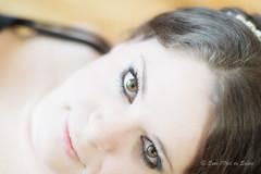 Vickie (Sous l'Oeil de Sylvie) Tags: portrait eyes women pentax couleurs femme naturallight yeux qubec visage vickie intrieur regard beauce ks2 grosplan lumirenaturelle modle pentax50mm cadrageserr sousloeildesylvie sessionboudoir