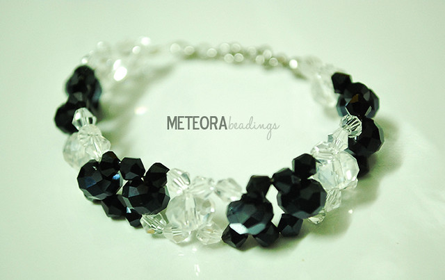 Bracelet - black and clear beads