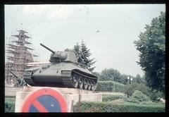 (Kaopai) Tags: west color berlin monument vintage tank dia 1966 architektur farbe farbig bau mahnmal tiergarten renovierung panzer verkehrsschild denkmal westberlin historisch westen t34 gerst farbfoto parkenverboten farbdia bauselle
