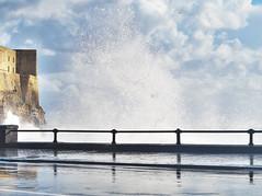 IMGP3302 (maurizio siani) Tags: city sky italy 50mm italia nuvole novembre pentax cielo napoli naples inverno lungomare castello castel 2012 citt onde ovo tufo onda mattina giorno schiuma schizzo caracciolo mareggiata k30 infrangersi schizzare