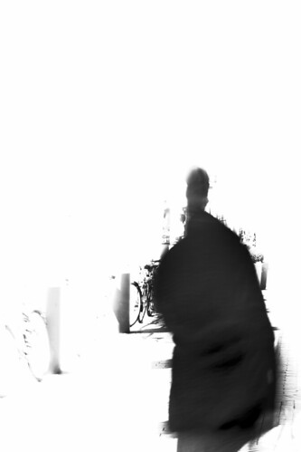 "Am Dreiecksplatz (03) • <a style=""font-size:0.8em;"" href=""http://www.flickr.com/photos/69570948@N04/25957210264/"" target=""_blank"">View on Flickr</a>"