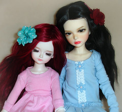 Rest on my shoulder (Ayla160 >^..^<) Tags: kids ball kid doll lisa tiny isabel bjd mystic lisbeth jointed undine yosd iplehouse