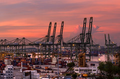 Good morning Port of Singapore, Tanjong Pagar (gintks) Tags: morning seascape port landscapes singapore singapur orangeglow morningglow keppelroad tanjongpagar morningsunrise exploresingapore singaporetourismboard yoursingapore gintks gintaygintks