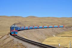 Ulaanbaatar - Moscow ... (N.Batkhurel) Tags: tourism season spring nikon ngc transport trains mongolia locomotive passenger curve trainspotting ulaanbaatar passengertrain diesellocomotive ubtz nikondf monrailpic