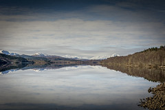Loch Reflection Series III (in Explore) (Sormanns) Tags: sky lake mountains reflection clouds see scotland nikon wolken berge loch blau reflexion schottland d7100