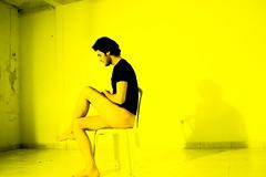 yellow e preto (Luan de Souza Macdo) Tags: yellow ensaio nu preto e homem corpo collor nuartisticohomem yellowepreto